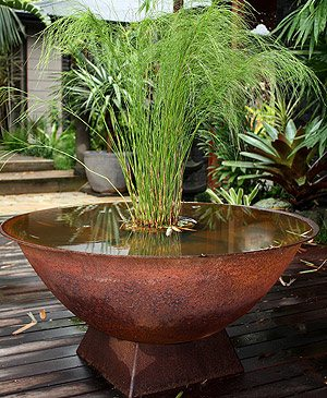 Balinese water features nurseries online for Garden water features adelaide