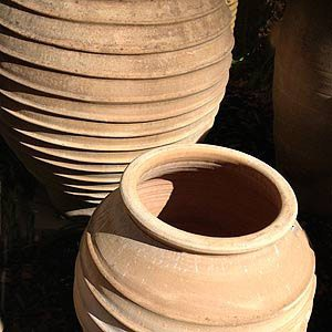 Terracotta pot with ribbed design