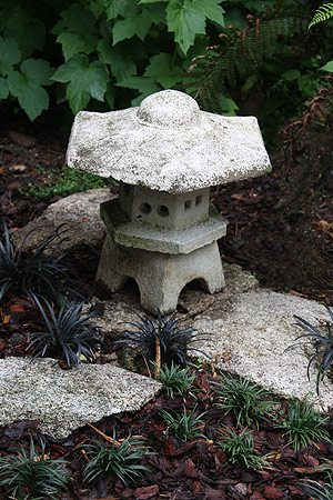 Japanese Garden Lantern with Mondo Grass