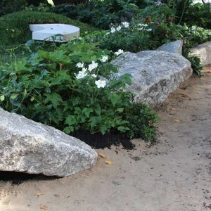 Large Rocks as Feature Edging